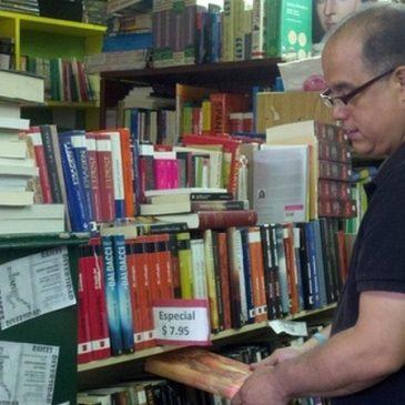 Barco de Papel mantiene a flote libros en español